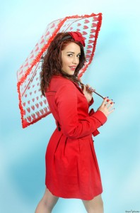 Comment s'habiller quand il pleut pour aller au bureau ? dans JOLIE BEAUTE pin_up___le_parapluie_by_marylinfraise-d5wvbll-198x300